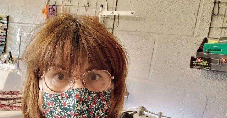 Illustration de l'article Près de Vitré, une couturière fabrique des masques de protection en tissu